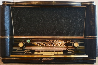 Ретро радиоприемник ламповый «Ретро радио ФЕСТИВАЛЬ-61» в черном цвете отреставрированный купить